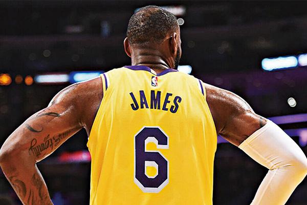 詹姆斯改穿湖人6号球衣!有望被退役四件球衣创造NBA历史记录