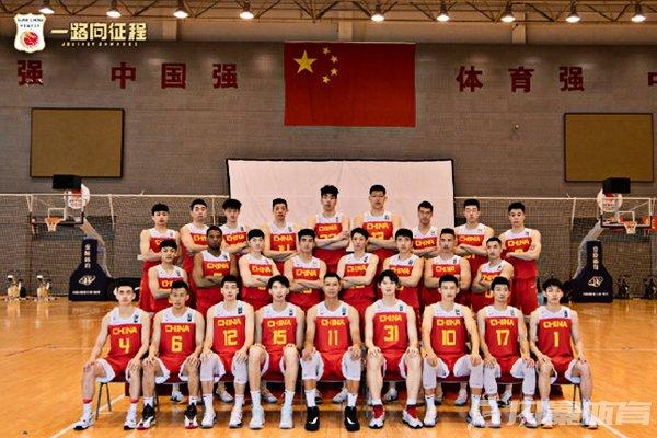 中国男篮集训合影
