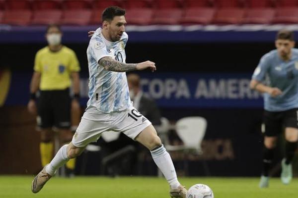 阿根廷1-0乌拉圭迎美洲杯首胜 梅西助攻罗德里格斯破门