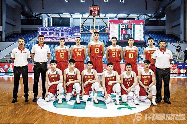 中国男篮胜日本 取亚预赛开门红!队长周鹏砍下16分