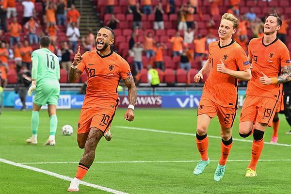 <b>欧洲杯-荷兰2-0奥地利 无冕之王势如破竹</b>