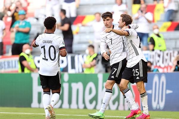 <b>葡萄牙连送乌龙球 遭德国4-2大逆转 德意志战车再次上线</b>