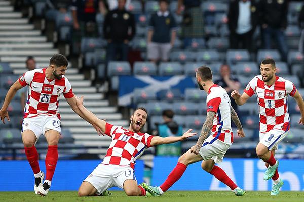 克罗地亚3-1胜苏格兰 小组出线 克罗地亚惊险晋级