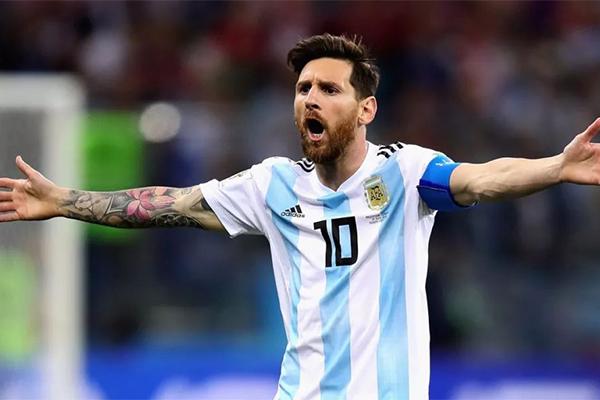阿根廷全队为梅西庆生 巴萨奉送神秘大礼