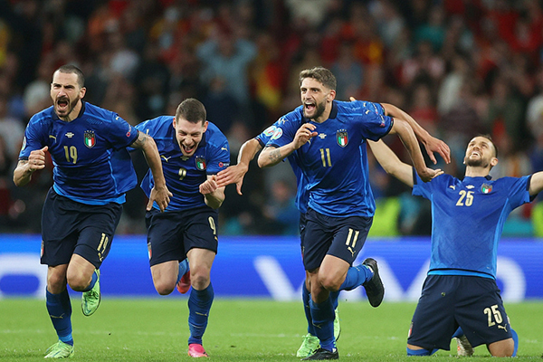 意大利5-3点球胜西班牙进决赛 时隔8年再度进军决赛