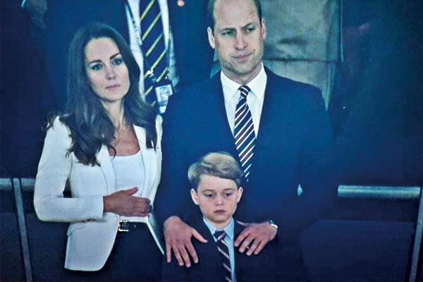 乔治小王子目睹英格兰丢冠表情!小小年纪经历人生大起大落