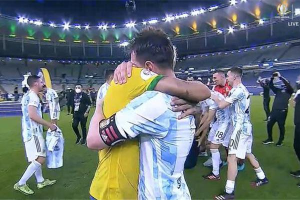 梅西内马尔赛后久久拥抱 两人友谊已超越国界