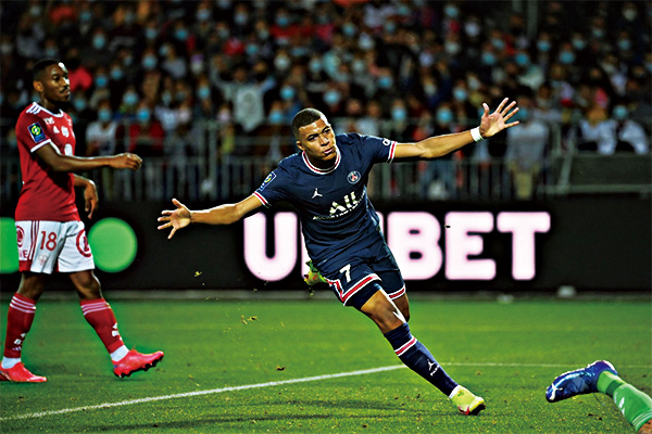 巴黎圣日耳曼4:2斯特拉斯堡取得新赛季三连胜!