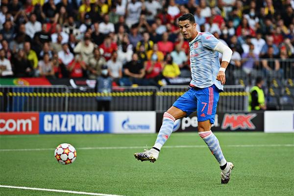 C罗欧冠连续16个赛季进球!C罗创造欧冠连续进球纪录