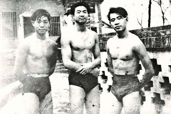 袁隆平年轻时期