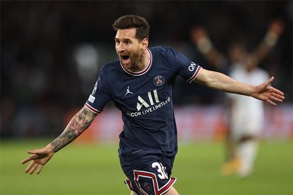 大巴黎2-0击败曼城 梅西进球!