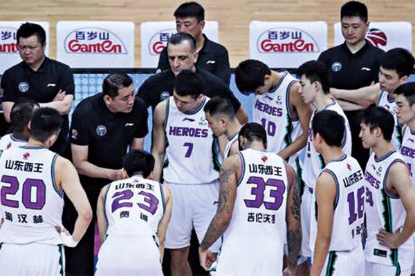 山东男篮16名球员讨薪!山东男篮球员讨薪问责俱乐部