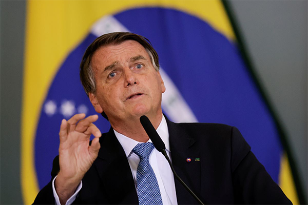 巴西总统未打疫苗想现场看球赛被拒!